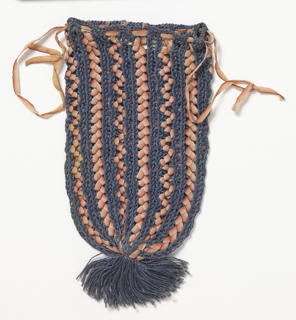 Small bag knitted in blue silk, interlaced with vertical bands of coral ribbon, also used for draw-string.