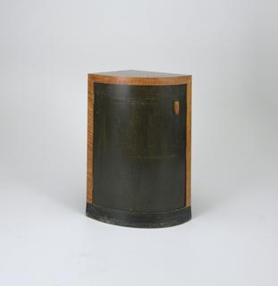 Cabinets (USA), ca. 1929