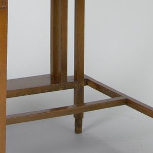 Desk (Japan)