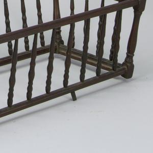 Self-rocking cradle, with metal fixtures a: Cradle, b: Stand, c: Rocking Mechanism