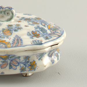 Dish And Lid (France)