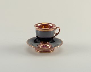 Cup And Saucer (France)