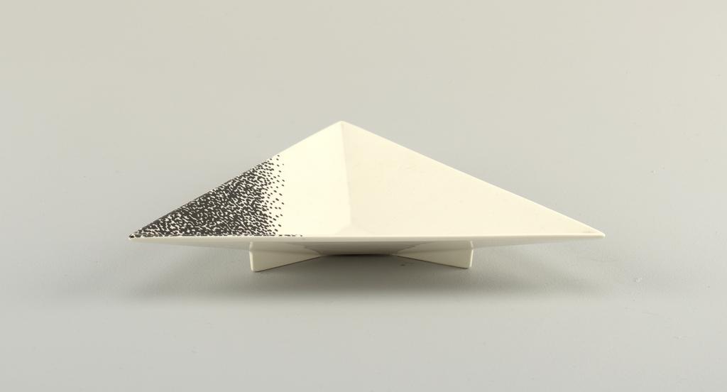 """""""Angle"""" Plate, Soup, 1988"""