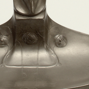 the  pedestal form inkpot with figural lid on a flaring shell-form base