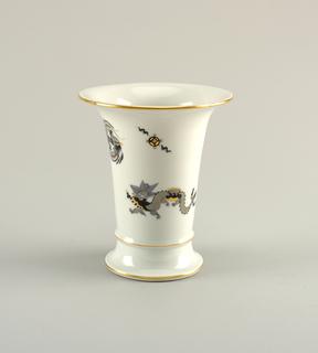 Black Dragon Vase