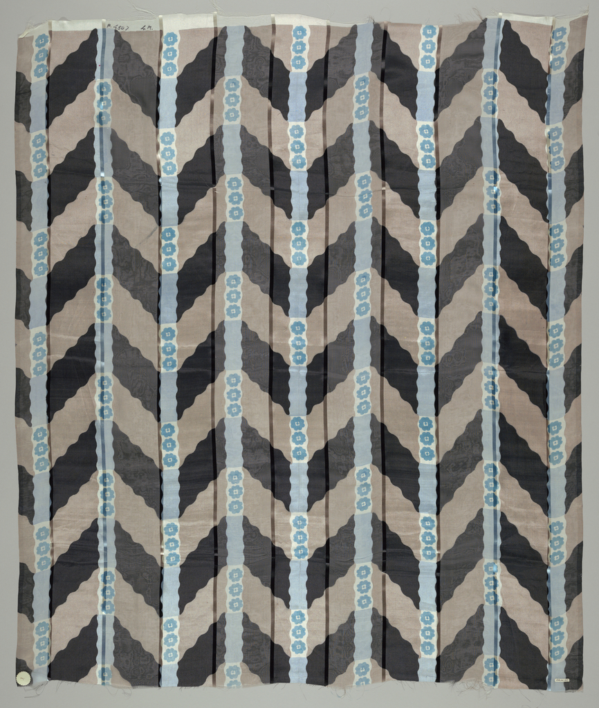 Five samples with broad vertical stripes of alternately loosely and closely woven plain cloth, separated by a narrow satin stripe. Printed with broad vertical columns of diagonal stripes, separated by narrow wavy stripes with rosettes. Both selvedges present on all samples.