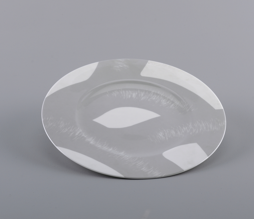 Miki Plate, 1988