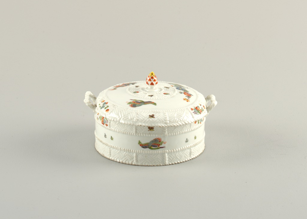 """Covered Butter Dishes with """"Korean Lions"""" (""""Butterdosen"""") Dish"""