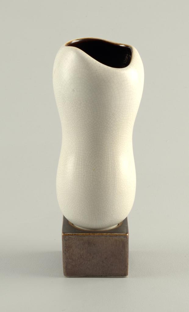Planter Vase (USA), ca. 1947