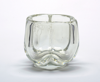 Clear glass, bowl-shaped vase with 4 lobes