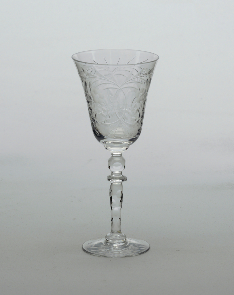 Cut glass decoration; Cordial glass