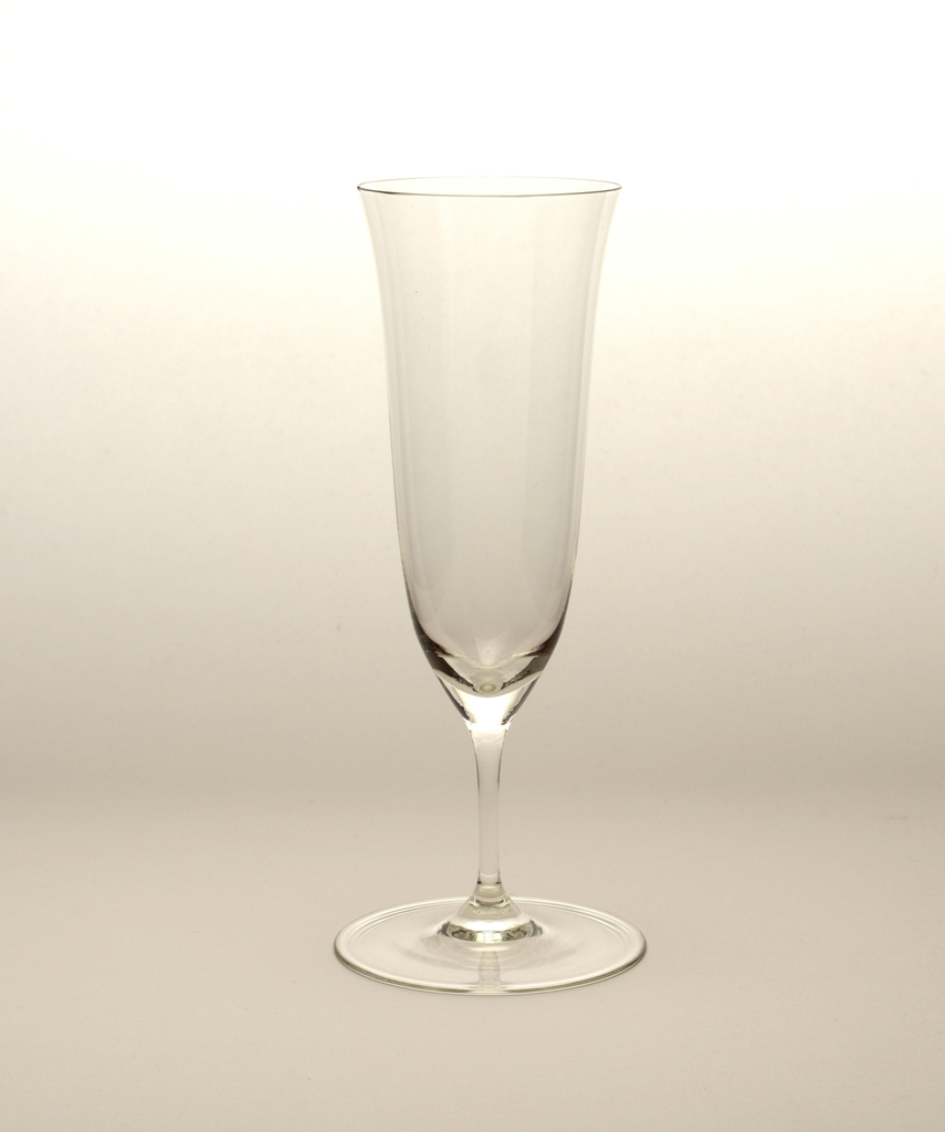 "Thinnest mouth-blown crystal (""Muslin glass"") champagne flute."