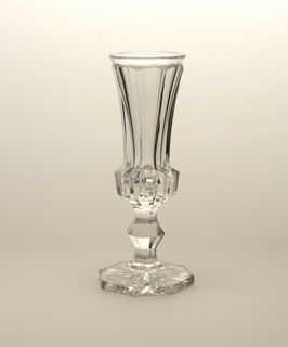 Mouth-blown crystal champagne flute, faceted and relief-prismatic-cut and polished.