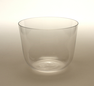 Thin mouth-blown crystal water tumbler.