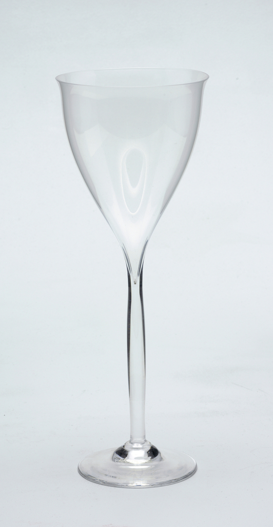 Clear glass, oversized white wine.