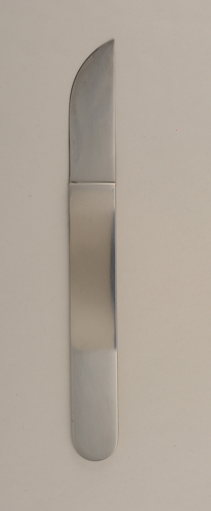 Integral; flat handle with curved terminal