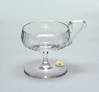 Mouth-blown, pre-molded crystal sorbet cup.