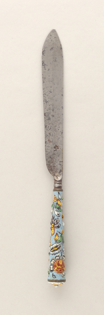 Leaf-shaped blade, bolster engraved. Tapered enamel handle inlaid on light blue ground: multi-colored floral pattern in relief; green, white, yellow, red.