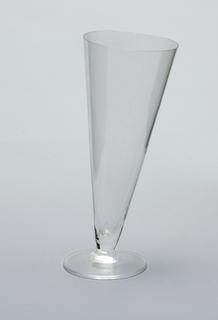 Cone-shaped glass at an asymmetrical tilt