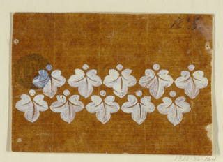 Ten hanging leaves showing a bead on top, each disposed in two staggered rows.