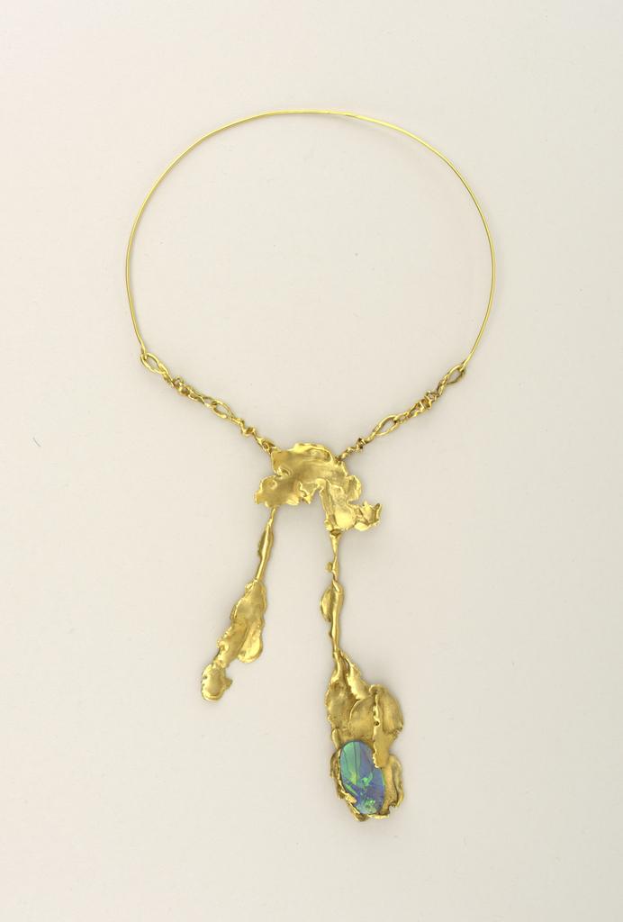Necklace (USA)