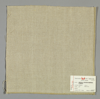 Plain weave in light brown linen.