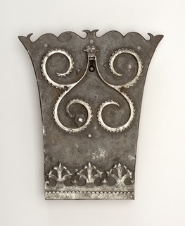 Pierced scroll rectangular plate surmounted by the date 1724, the lock on left lower side.