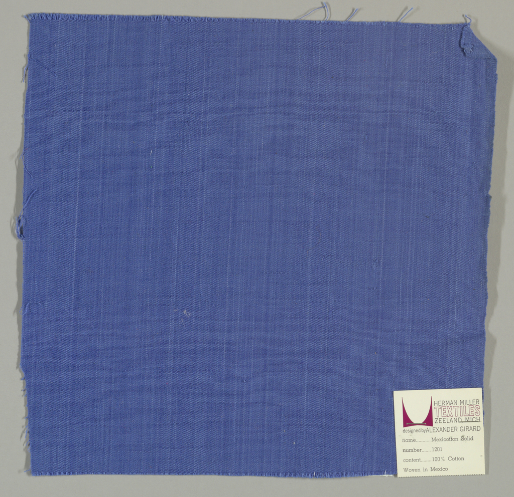Plain-woven cotton in bright blue. Slight variation in the color of the warp threads gives a subtle stripe effect.