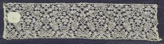 Bobbin lace sample, dense floral; early 18th century Maline