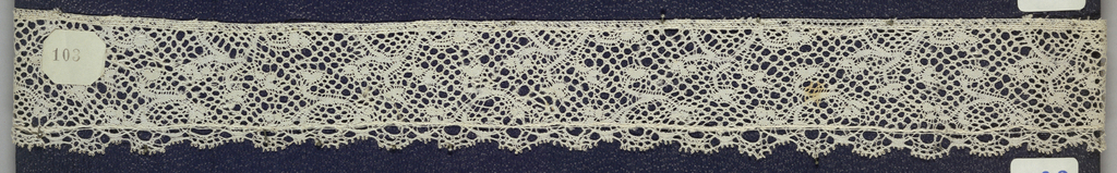 Bobbin lace pillow border, floral scrolls; mid-18th century Flemish