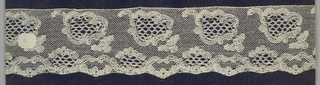 Edge of bobbin lace, leaf forms; early 19th century Buckinghamshire