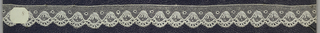 Edge of bobbin lace, scalloped edge; late 18th century Buckinghamshire.
