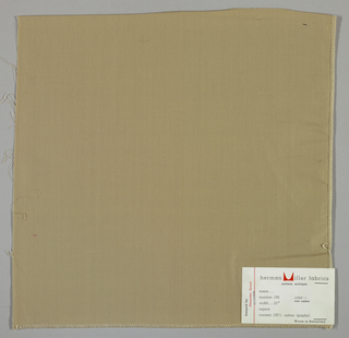Plain weave in light brown (raw umber).