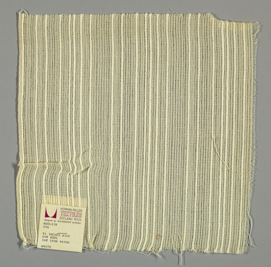 Plain weave in off-white with single and doubled warps. Single warps are comprised of both thin and thick yarns while the doubled warps are comprised of thin yarns. Number 256.
