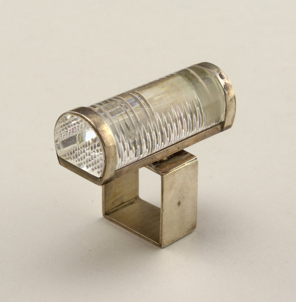Square silver band, plexi cylinder