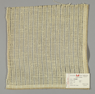 Gauze weave in off-white. Number 371.