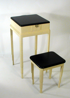 Vanity Stand (USA)