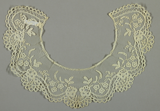 Bobbin lace applique collar, floral scalloped; mid-19th century