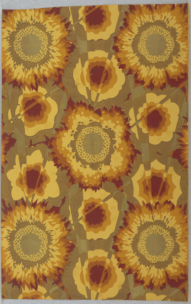 Large flattened flowers dissected by rays of light. Printed in yellow, dark yellow, red and metallic gold.
