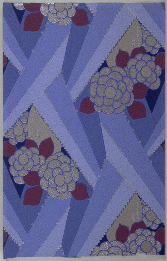 Leather imitation paper; bold rays form a lattice which reveals flattened flowers in vases. Printed in dark blue, light blue, medium blue, magenta, grey and silver.