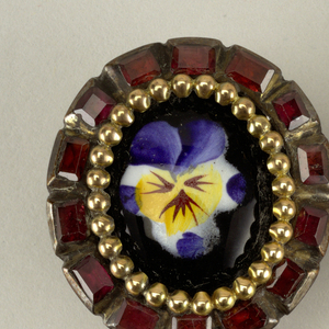 Buttons with pansies.