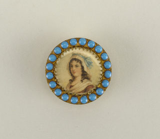 Button with portrait of a lady