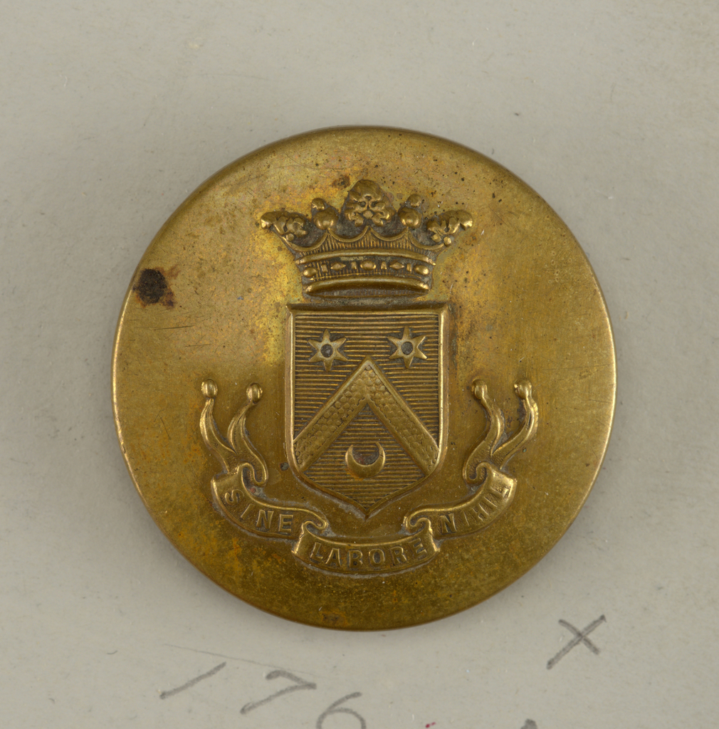 """slightly convex button showing a shield with heraldic devices; above it, a crown; below, ribbon with """"Sine labore nihil."""" on reverse: """"Superieur France.""""  Brass shank.  On card H"""
