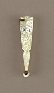 Brisé Carnet de Bal (dance card) fan. Ivory and carved mother-of-pearl sticks and guards with floral motif. Metal pencil holder.