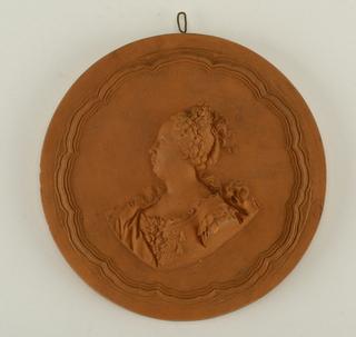 reproduction portrait medallion: Mme de Faugnes
