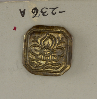 Octagon buttons ornamented with flower and leaves (Incised carving)