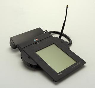 EO 440 Personal Communicator And Stylus