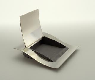 Wave Box, 1984