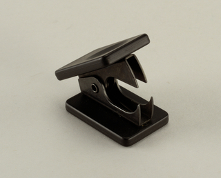 Staple Remover (USA), 1987