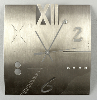 Object 1992-131-1 is the prototype for this clock.